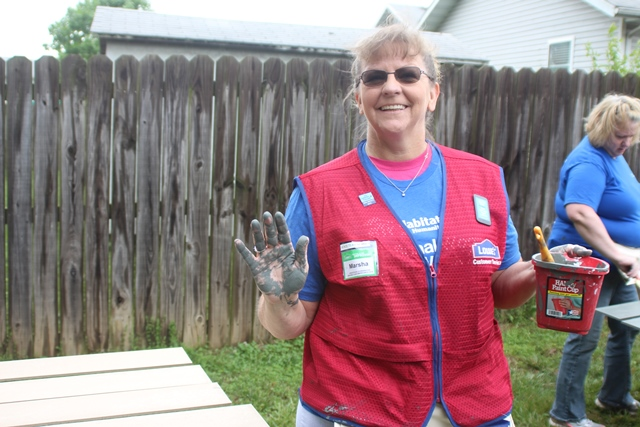 13. Lowes Volunteer - paint hands - small
